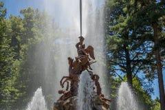 Springbrunn på slottträdgårdar av La Granja de san Ildefons Arkivbild