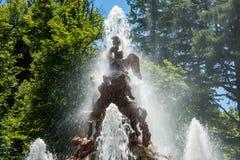 Springbrunn på slottträdgårdar av La Granja de san Ildefons Royaltyfria Bilder