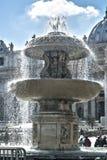 Springbrunn Vatican City Arkivfoton