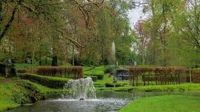 Springbrunnar för vattenträdgårdkaskad Fotografering för Bildbyråer