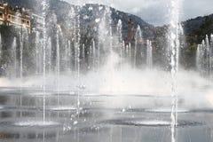 Springbrunnar på promenad du Paillon i Nice, Frankrike Royaltyfria Bilder