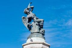 Springbrunnen av den stupade ängeln i Madrid, Spanien Arkivbild