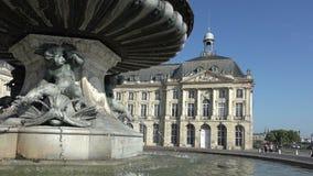 Springbrunnen av den tre gracerna i Bordeaux arkivfilmer