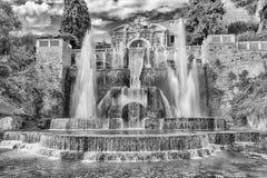 Springbrunnen av Neptun, villad'Este, Tivoli, Italien Arkivfoton
