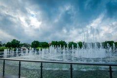 Springbrunnen av Tsaritsyno allmänhet parkerar i Moskva, Ryssland fotografering för bildbyråer