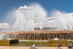 Springbrunnen i fyrkanten av Mohammed V Fotografering för Bildbyråer
