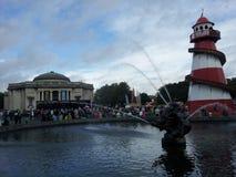Springbrunnen i portsolljusby i traditionell festfestival arkivbild