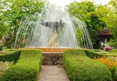 Springbrunnen i trädgården Royaltyfria Foton