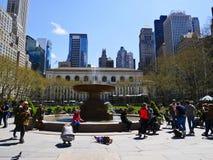 Springbrunnen som är hängiven till Josephine Shaw Lowell i parkera av t royaltyfri foto