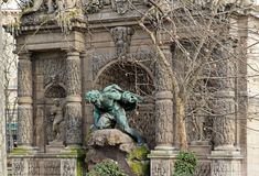 springbrunnfrance medici paris royaltyfri bild