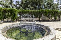 Springbrunnhandfat med bänken Royaltyfria Foton