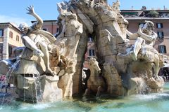 Springbrunnskulptur i Rome Arkivbilder