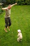 Springen Sie als ich! lizenzfreies stockbild