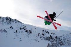Springen Sie auf Skis Lizenzfreies Stockbild