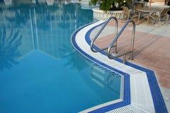 Springen Sie in das Pool Stockbilder