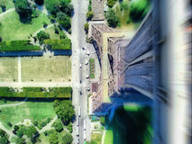 Springen vom Eiffelturm Lizenzfreies Stockbild