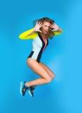 Springend Jong Meisje Stock Foto