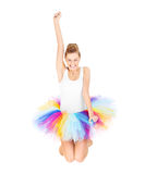 Springende Frau im Ballerinarock Lizenzfreie Stockfotos