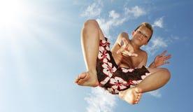 Springende jongen royalty-vrije stock fotografie