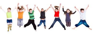 Springende Kindansammlung Lizenzfreie Stockfotografie
