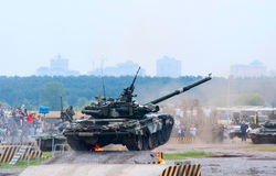 Springende tank Stock Foto
