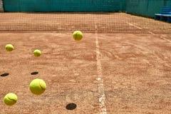 Springende Tenniskugeln Stockfotografie