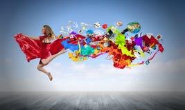 Springende vrouw Royalty-vrije Stock Afbeeldingen