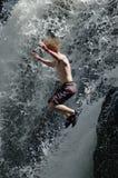 Springende waterval stock afbeeldingen