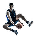 Springendes Schattenbild des kaukasischen Mannbasketball-spielers Lizenzfreies Stockbild