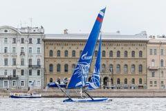 Springer segla serier för ytterlighet 40 2014 i Ryssland, St Petersburg Arkivbilder