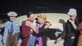 SPRINGFIELD, MISSOURI 1953 : Équipage de Motley de style de mode des caractères in 1950 banque de vidéos