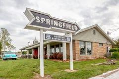 Springfield Missouri, S.U.A. 18 maggio 2014 Freccia della strada di Springfield Fotografie Stock