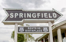 Springfield Missouri, S.U.A. 18 maggio 2014 Freccia della strada di Springfield Fotografia Stock Libera da Diritti