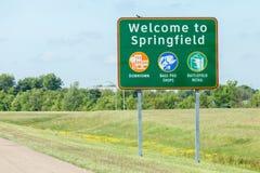 Springfield Missouri, USA Maj 18, 2014 Vägmärke av välkomnandet till Arkivfoto