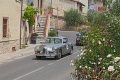Sprint superbe d'Alfa Romeo 1900 Pinin Farina (1955) en Mille Miglia Photo stock