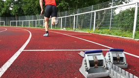 Sprinten Sie Anfang in der Leichtathletik