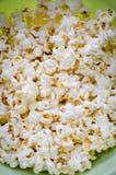 Spritt rimmat popcorn Royaltyfri Foto