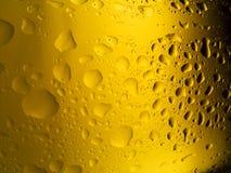 Spritzed Bierflasche Lizenzfreie Stockfotografie