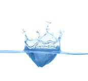 Spritzen des blauen Wassers Lizenzfreies Stockbild