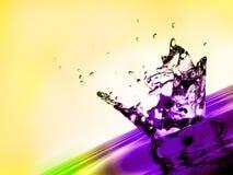 Spritzen des kühlen Wassers Stockfoto