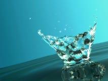 Spritzen des kühlen Wassers Lizenzfreies Stockbild