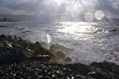 Spritzen des Meerwassers Stockfotos