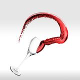 Spritzen des Rotweins Stockbilder