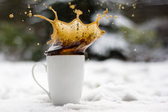Spritzen-Frost-Kaffee-Schnee Stockbild