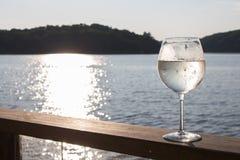 Spritzer белого вина стоковое изображение rf