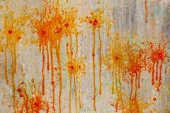 Spritzt und Stellen der Farbe auf der Wand Lizenzfreie Stockfotografie