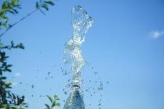 Spritzt vom Wasser im Himmel Lizenzfreie Stockbilder