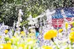 Sproeier bespuitend water Royalty-vrije Stock Afbeelding