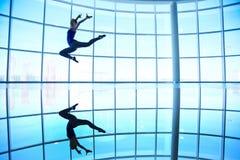 Sprong in de lucht Royalty-vrije Stock Afbeeldingen