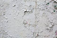 sprucken grå gammal målarfärgvägg för bakgrund Fotografering för Bildbyråer